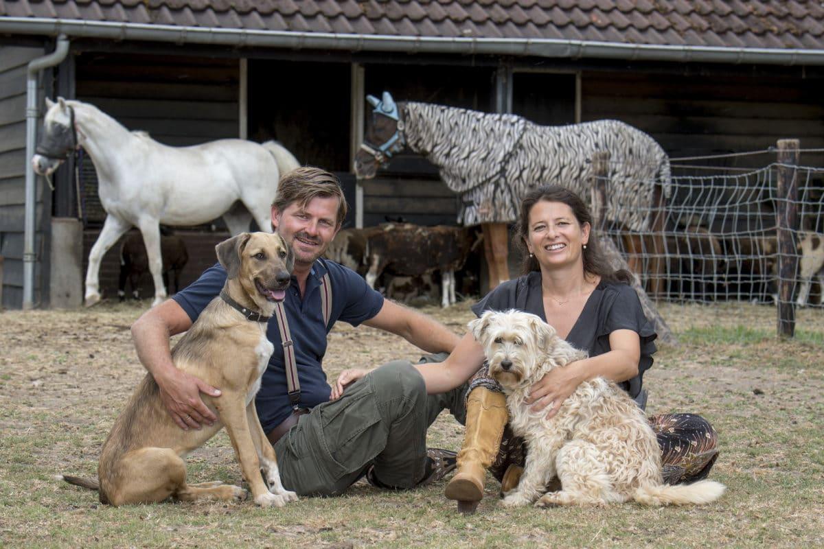 Frederik en Chantal met honden